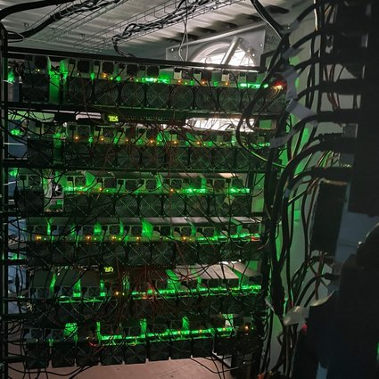 A bitcoin mining data centre is seen on an oilfield in northern Texas on May 6, 2021. Cryptocurrency mining requires a lot of energy, which has led to much it being concentrated in China, where electricity is cheap. Now an ensuing crackdown is pushing some operators to consider moving to North America. Photo: AFP